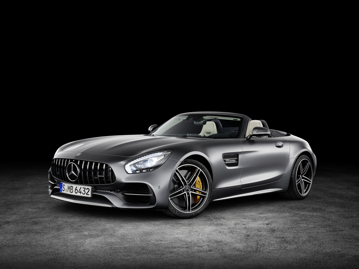 2018 Mercedes-AMG GT C Roadster headlamps on