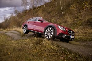 Mercedes-Benz E-Class All-Terrain Descent
