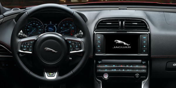 2018 Jaguar XE Steering Wheel, Dashboard and InControl Touch Pro Touchscreen Display