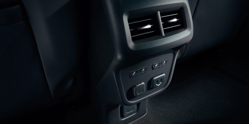 2018 Chevy Equinox interior second row USB ports and air vents