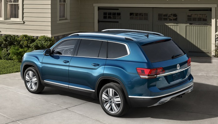 2019 Volkswagen Atlas parked in a driveway.