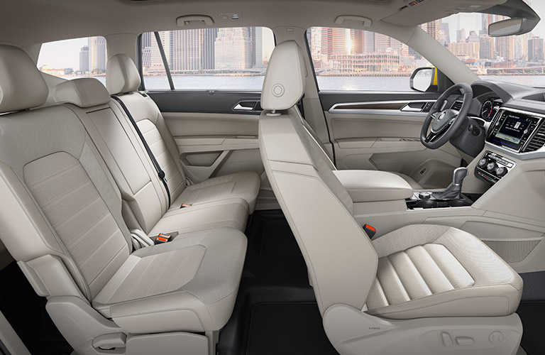Dashboard and White Seats of 2018 VW Atlas