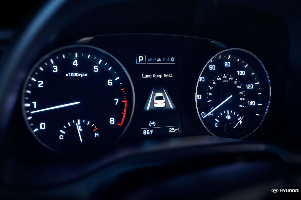 Instrument cluster of the 2018 Hyundai Elantra