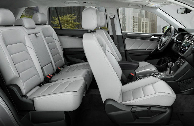 First-and-second-rows-of-seating-in-2018-Volkswagen-Tiguan