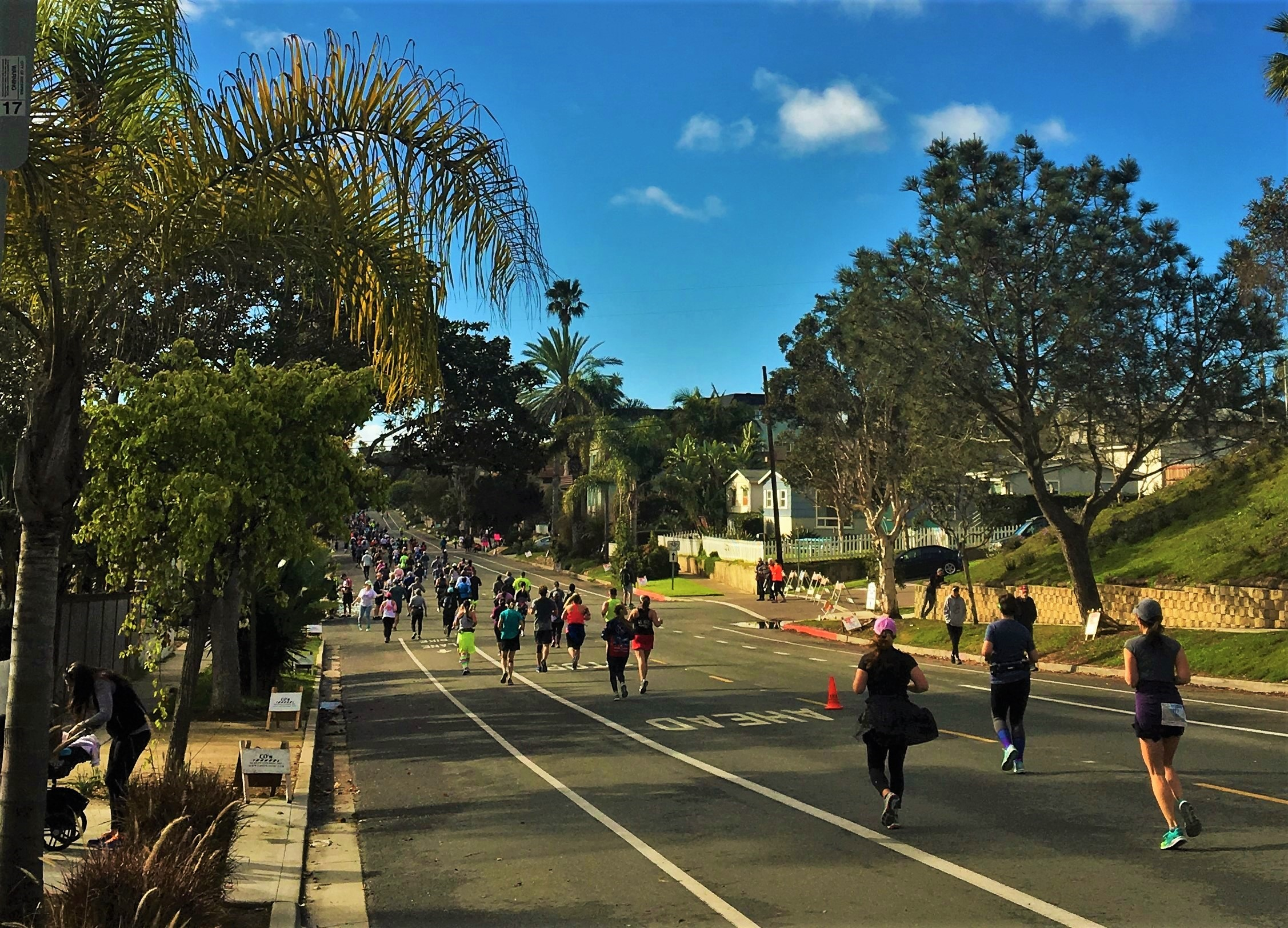 Encinitas Half Marathon Crowd