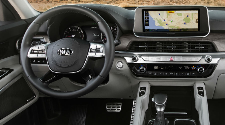interior dashboard of 2020 kia telluride suv