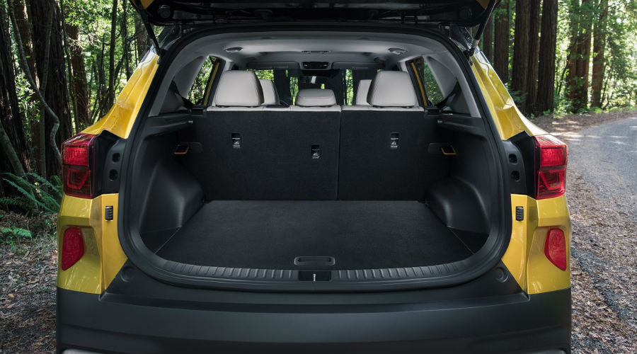 storage in 2021 kia seltos with the seats up
