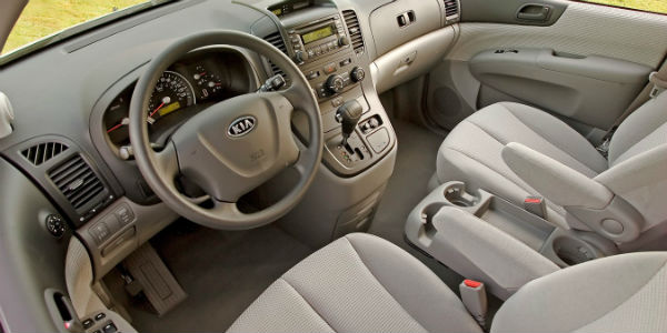Interior view of 2007 Kia Sedona