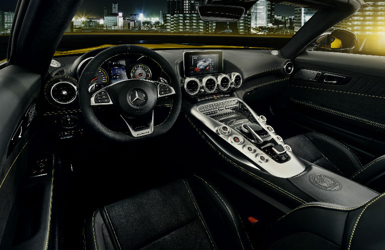 2019 GT S Roadster Command Center