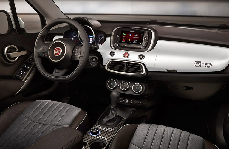 dashboard and steering wheel of 2018 Fiat 500X