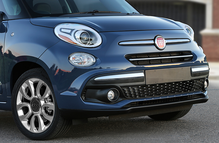 front grille of 2018 Fiat 500L
