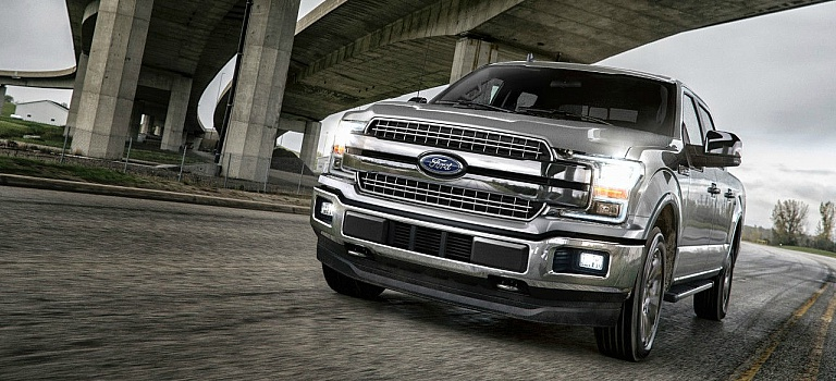 2018 Ford F-150 silver front view with grille