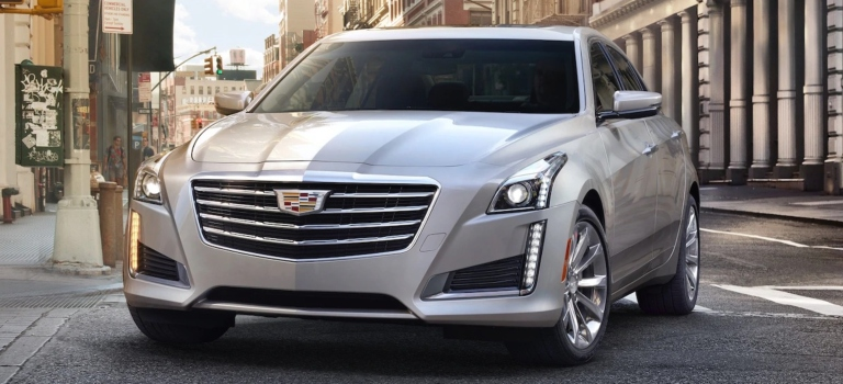 2018 Cadillac CTS white front view