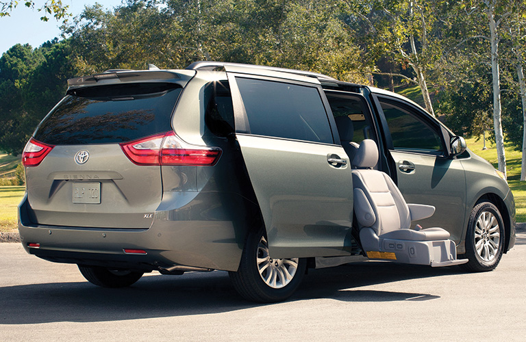 2020 toyota sienna cargo capacity and convenience features 2020 toyota sienna cargo capacity and