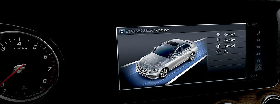 Mercedes-Benz Display Shows DYNAMIC SELECT Drive Modes